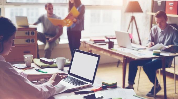 Cultura innovadora y otros beneficios que el coworking ofrece a las grandes empresas.